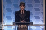 Dakota-Johnson-Honours-Stepdad-Antonio-Banderas-At-Hollywood-Film-Awards